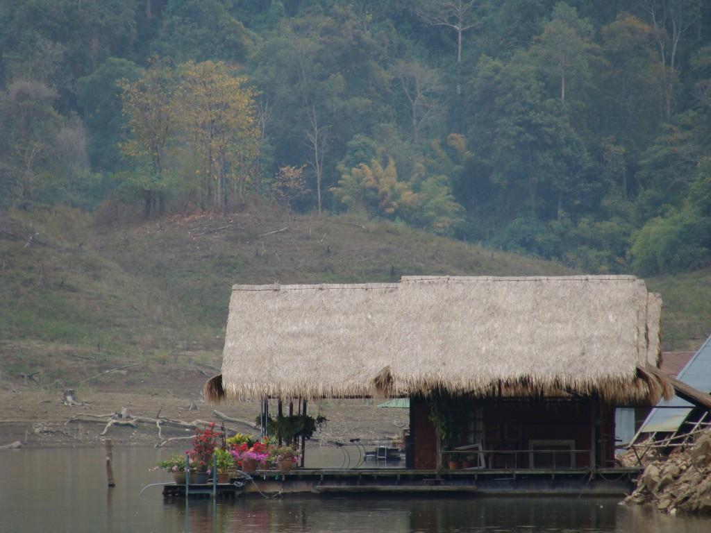 Houseboat chiang mai 2